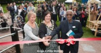Claude-and-Elizabeth-cutting-the-ribbon-3-Sept-2015-1-300x158